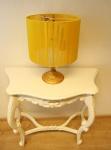 Extravagante Kristall Hockerleuchte mit gelbem Fadenschirm - H 46 cm