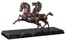Casa Padrino Luxus Bronzefiguren Pferde Bronze / Schwarz 80 x 25 x H. 43 cm - Elegante Deko Bronze Skulpturen mit Marmorsockel