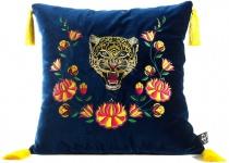 Casa Padrino Luxus Deko Kissen mit Troddeln Tiger Blau / Mehrfarbig 45 x 45 cm - Feinster Samtstoff - Luxus Qualität