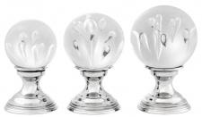 Casa Padrino Luxus Wohnzimmer Deko 3er Set Silber - Glas Kugeln mit Messing Sockel