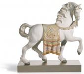 Casa Padrino Luxus Porzellan Königliches Ross Mattweiß / Mehrfarbig 40 x H. 42 cm - Handgefertigtes Luxus Deko Pferd