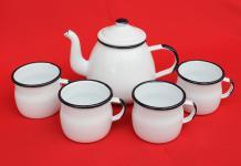 5 tlg. Set Teekanne + 4 Tassen 582AB+501w/7 Weiß emailliert Kaffeekanne Emaille Email