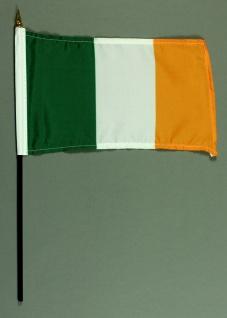 Tischflagge Irland 15x25 cm BASIC optional mit Tischflaggenständer