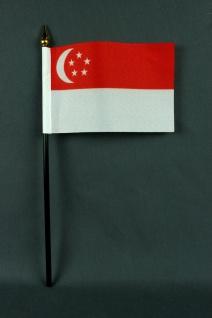 Kleine Tischflagge Singapur 10x15 cm optional mit Tischfähnchenständer