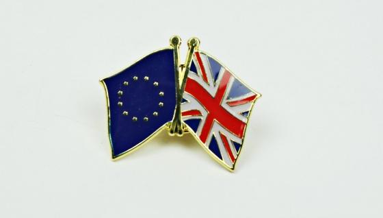Europa / Großbritannien Freundschafts Pin Anstecker Flagge Fahne Doppelflagge