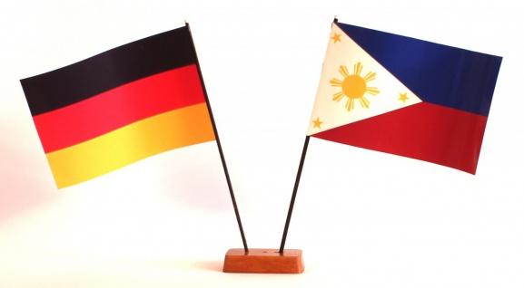 Mini Tischflagge Philippinen 9x14 cm Höhe 20 cm mit Gratis-Bonusflagge und Ho...