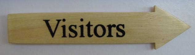 Türschild Visitors helles Holz Pfeilform 3, 5x15 cm