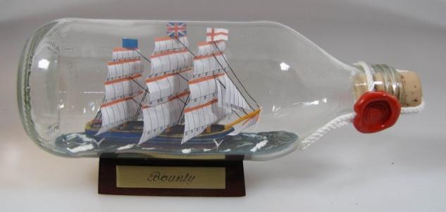 Bounty runde Flasche 0, 3 Liter Buddelschiff Flaschenschiff