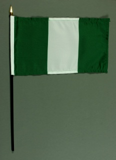 Tischflagge Nigeria 25x15 cm BASIC optional mit Tischflaggenständer