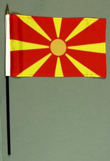 Tischflagge Mazedonien 15x25 cm BASIC optional mit Tischflaggenständer