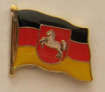 Pin Anstecker Flagge Fahne Niedersachsen mit Pferd