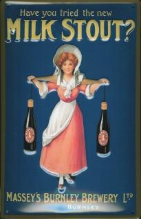 Blechschild Milk Stout Frau mit 2 Flaschen Bier Beer Schild Nostalgieschild