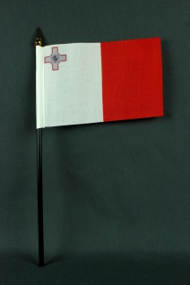 Kleine Tischflagge Malta 10x15 cm optional mit Tischfähnchenständer