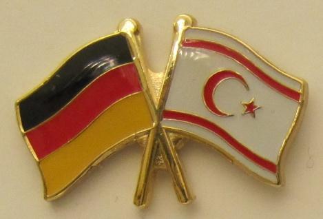 Nord Zypern / Deutschland Freundschafts Pin Anstecker Flagge Fahne Nationalfl...