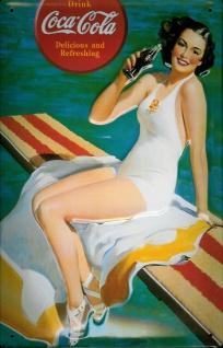 Blechschild Coca Cola Lady am Pool Badelaken retro Schild Nostalgieschild