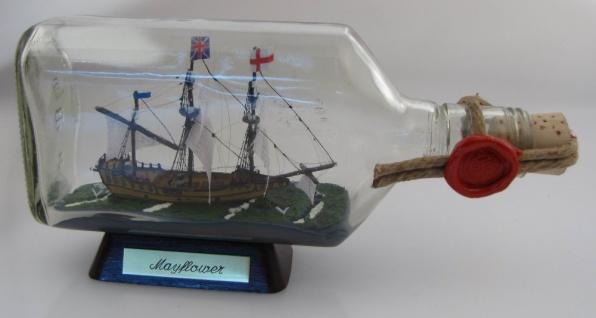 Mayflower 375 ml eckige Ginflasche Buddelschiff Museumsqualität