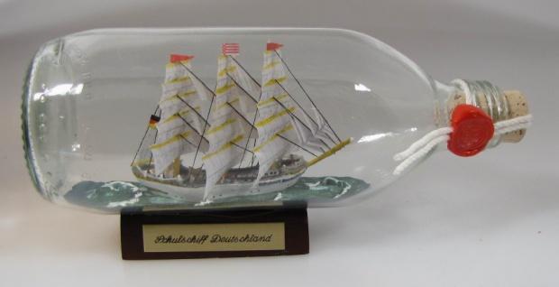 Schulschiff Deutschland runde Flasche 0, 3 Liter Buddelschiff Flaschenschiff