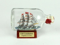 Constitution USA Mini Buddelschiff 50 ml ca. 7, 2 x 4, 5 cm Flaschenschiff