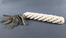 Schlüsselanhänger Bändsel weiß 14, 5 cm mit Schlüsselring Tauwerk Seemannsknoten