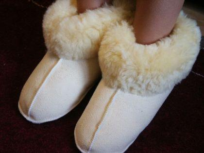 Echt Lammfell Bettschuhe Hausschuhe Pantoffeln Puschen - Pelzvelour von FÖRSTER-FELL