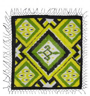 Halstuch in gelb grün weissgrau schwarz gemustert mit langen Fransen