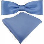 vorgebundete schmale TigerTie Satin Fliege + Einstecktuch pastellblau Uni + Box