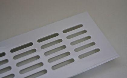 Aluminium Lüftungsgitter Heizungsdeckel Stegblech 60mm x 300mm verschiedene Farben