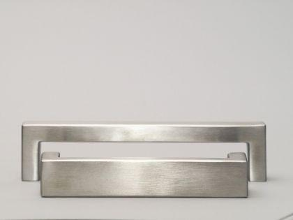 Möbelgriff Küchengriff Bügelgriff massiv Edelstahl matt gebürstet verschiedene Lochabstände