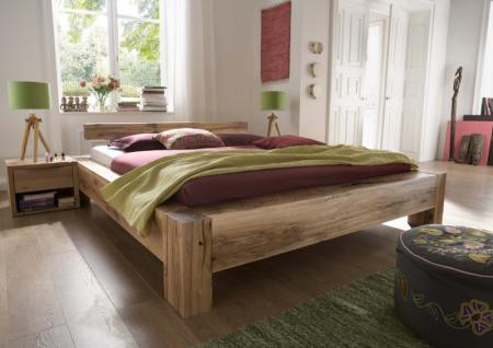 Bett + 2 Nachttische massiv Eiche Balkeneiche geölt rustikal mit Wuchsrisse - Vorschau 1