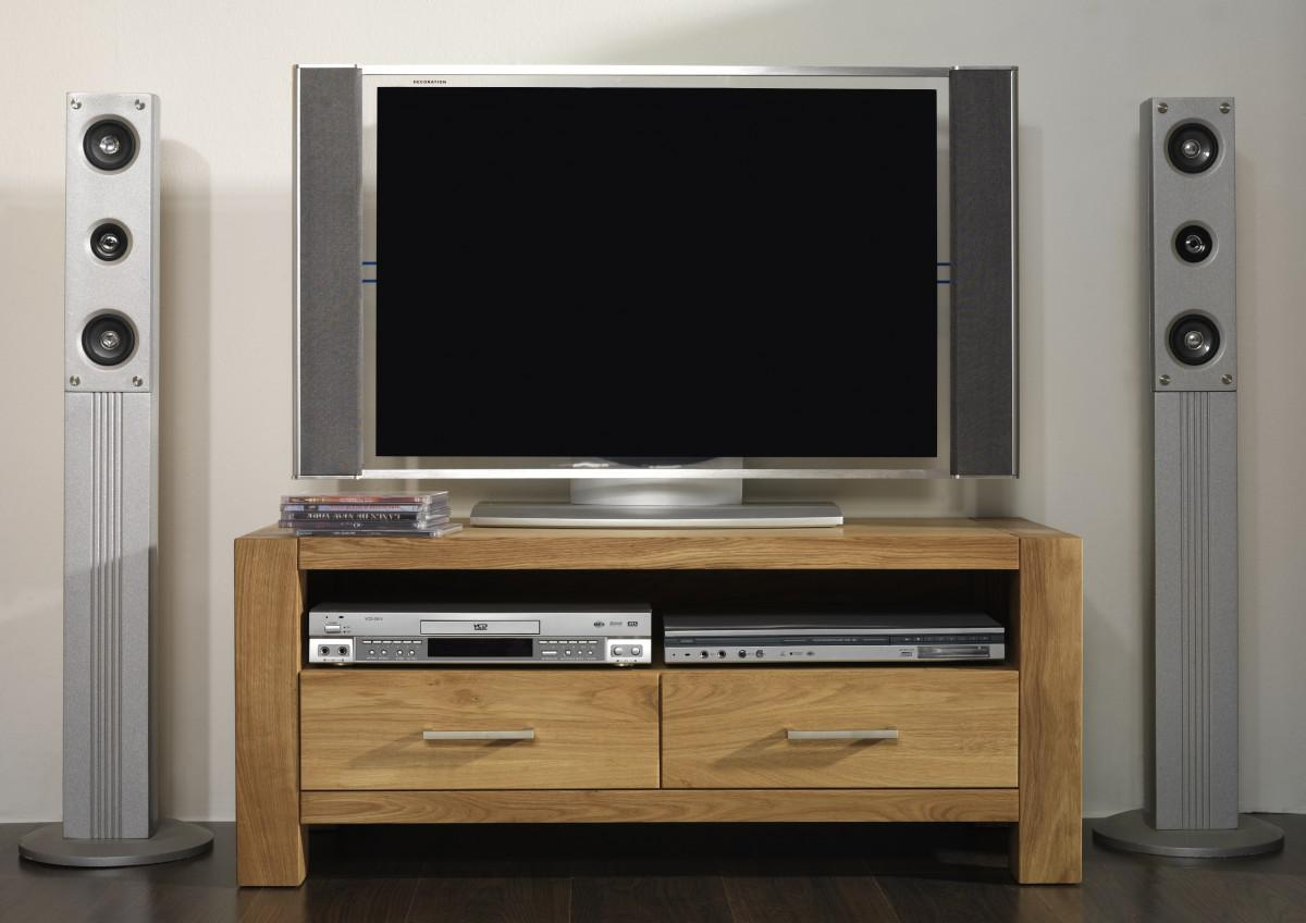 tv board lowboard tv tisch tv anrichte tv m bel eiche massiv ge lt natur kaufen bei saku. Black Bedroom Furniture Sets. Home Design Ideas