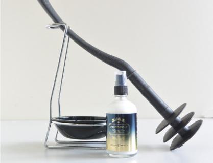 Mr Sanitär Schwarz + Zubehör + POPOPOO Toilettenspray Lemon-Vanille NEU