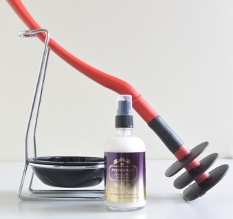 Mr Sanitär Rot +Zubehör+ POPOPOO Toilettenspray / Lavendel-Vanille Duft