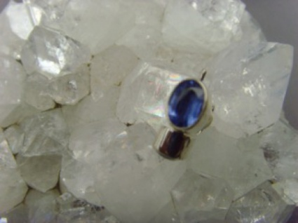 Ohrstecker oval - Kyanit facettiert - 925er Silber