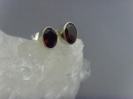 Ohrstecker-Granat facettiert - oval - 925er Silber