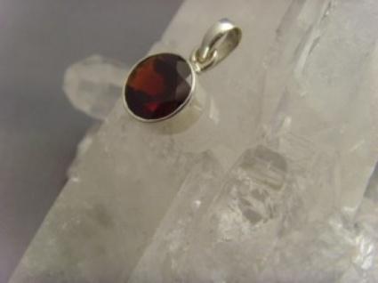 Mozambik-Granat rund 925er Silber