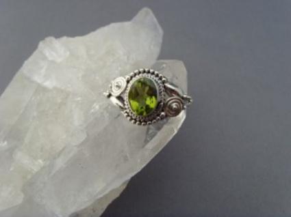Peridot - Ring filigrane Handarbeit 925er Silber