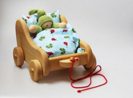 GLÜCKSKÄFER 521915 - Puppen-Nachziehwagen, Erle mit Bettzeug
