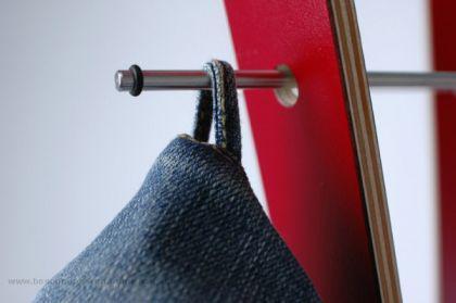 Garderobenständer aus Holz massiv und Edelstahl, moderne Garderobe mit Hacken aus Edelstahl, Ø 48 cm - Vorschau 5