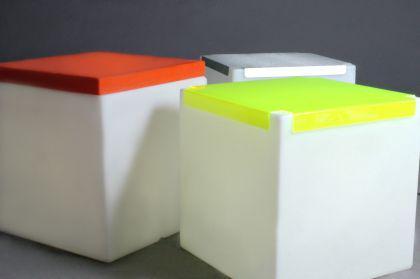 Designer Tisch in Weiß aus Polythylen Kubo Plexi, leuchtend - Vorschau 2