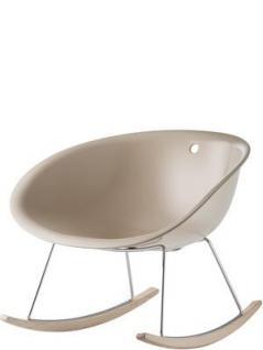 Schaukelstuhl, Design Stuhl-Sessel mit eine Sitzschale aus Kunststoff