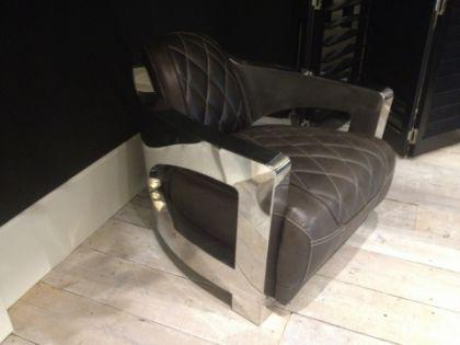 Lifestyle Sessel aus Leder und Aluminium