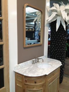 Waschtisch im Landhausstil mit dem Spiegel inkl. Armaturen
