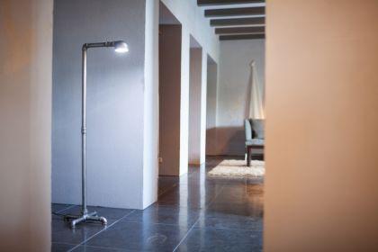 led stehleuchte wasserrohr im industriedesign kaufen bei richhomeshop. Black Bedroom Furniture Sets. Home Design Ideas