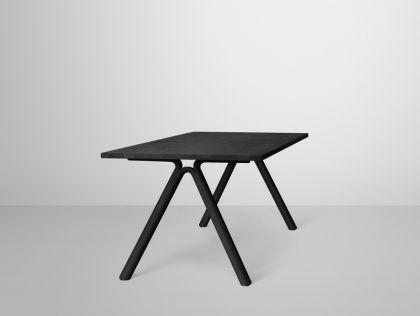 Designer Tisch in schwarz
