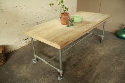 Tisch mit Rollen im Industriedesign, Esstisch mit Tischbeinen aus Metall, Länge 220 cm - Vorschau 3