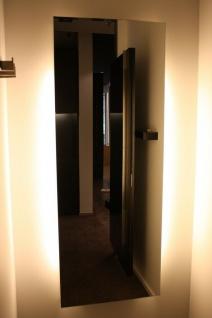 Luxus Wand-Spiegel indirektes Licht Design Ladeneinrichtung Hugo Boss Boutique