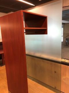 Design geradlinige Glas-Garderobe Kleider-Ständer Eingang Empfang Ablage Holz