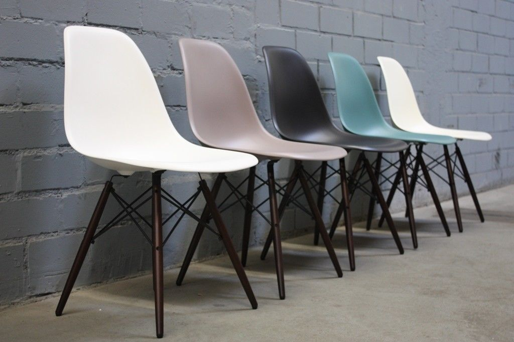 Vitra Chalres Eames : Vitra chair dsw by charles eames farbauswahl plastic wood kaufen
