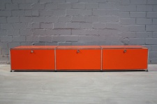 USM Haller Lowboard Regal Medienboard Hifi Board orange mit 3 Klappen TV-Regal