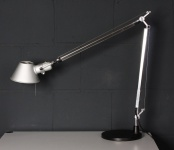 Artemide Schreibtisch-Lampe Tolomeo Tischleuchte für Architekten mit Fuß-Basis